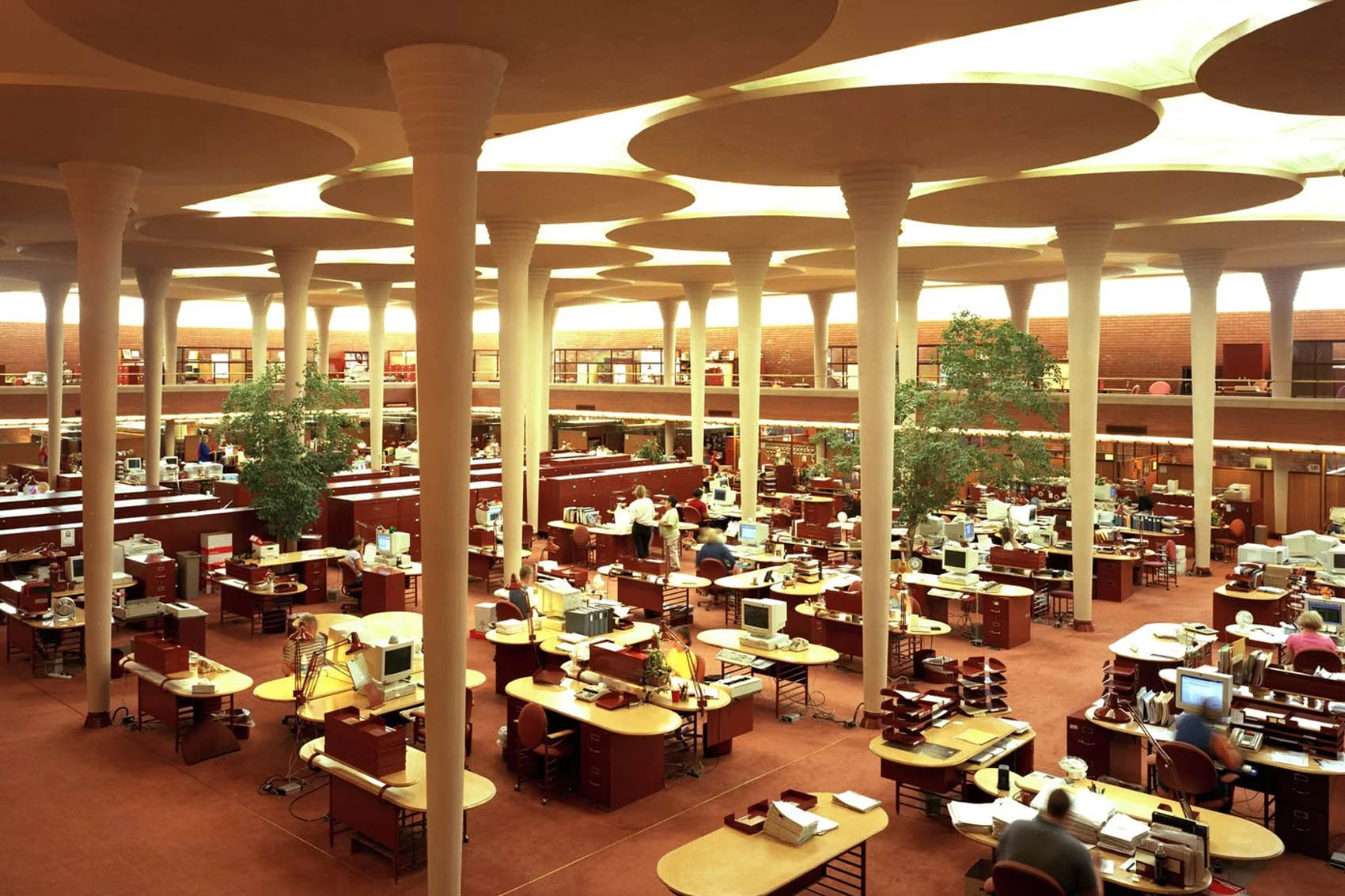 De-Vorm-For-Office-The-Great-Workroom-in-the-Johnson-Wax-Building